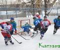 В хоккее горяч бывает даже лед