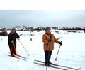 Белые полянки, и на горке снеговой лыжи или санки!