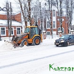 Снег, мороз, гололед: кувшиновские дорожники достойно противостоят стихии