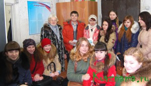Наша будущая смена со своим  преподавателем   Е. А. Матвеевой.