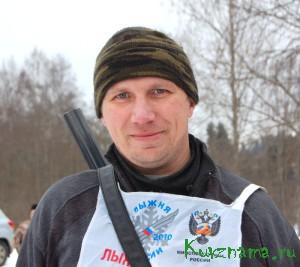 Один из участников биатлона Н. Агальцов