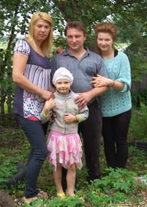 Алексей Арнольдович Ершов, его супруга Елена и дочери София и Алевтина
