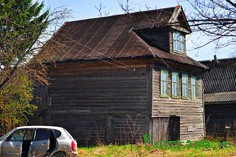 Вот такие дома строили сто лет назад в Тавруеве.