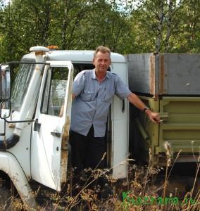 В Кувшиновском районе первыми на поля вышли комбайны колхоза «Заря коммуны». Александр Константинович Голубев
