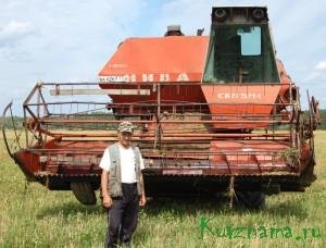 В Кувшиновском районе первыми на поля вышли комбайны колхоза «Заря коммуны». Сергей Владимирович Голубев