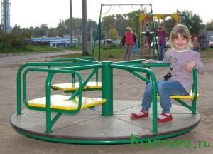 Городской администрацией установлена новая большая детская игровая площадка