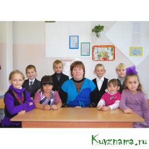 Жанна Евгеньевна Синицына возглавляет группу предшкольной подготовки в Заовражской школе