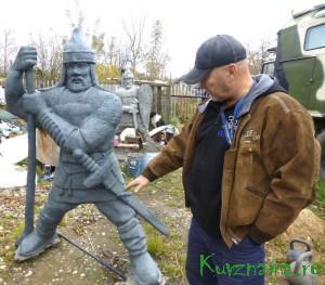 Виктор Макаров рассказал о своей работе по созданию скульптур русских богатырей