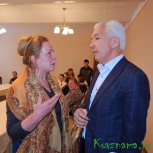 Надежда Спиридонова и  Владимир Васильев обсуждают наболевший вопрос