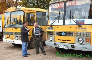 Директор Игорь Корлюков обсуждает обновление автопарка
