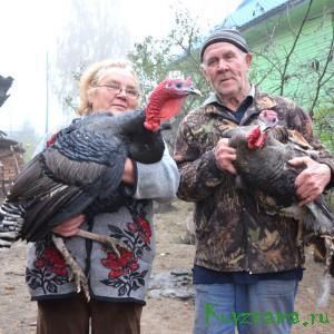 Семья Федоровых с домашней птицей