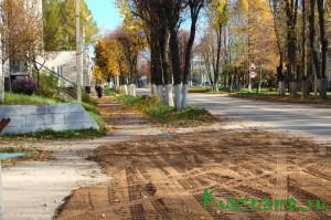 В направлении стоматологической поликлиники по ул. Советской построен участок нового асфальтового тротуара (600 кв. м).