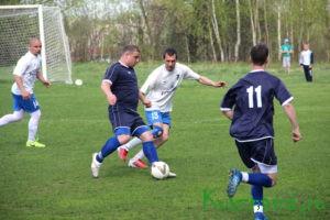 ФК «Бумажник» открыл сезон на «домашнем» поле