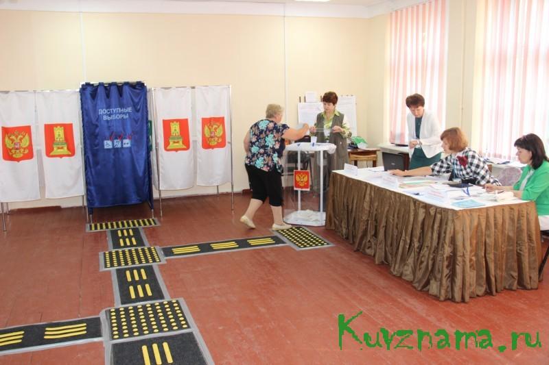В Тверской области на выборах действует специальная кабина для голосования слабовидящих и незрячих людей