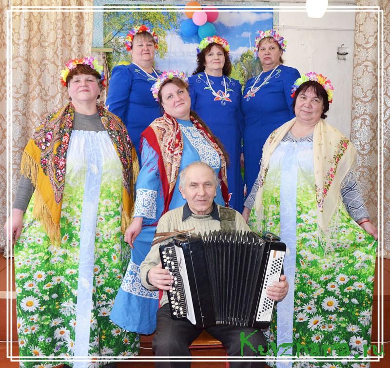 Слышите? «Росинка» распевается, и песне русской снова откликается душа