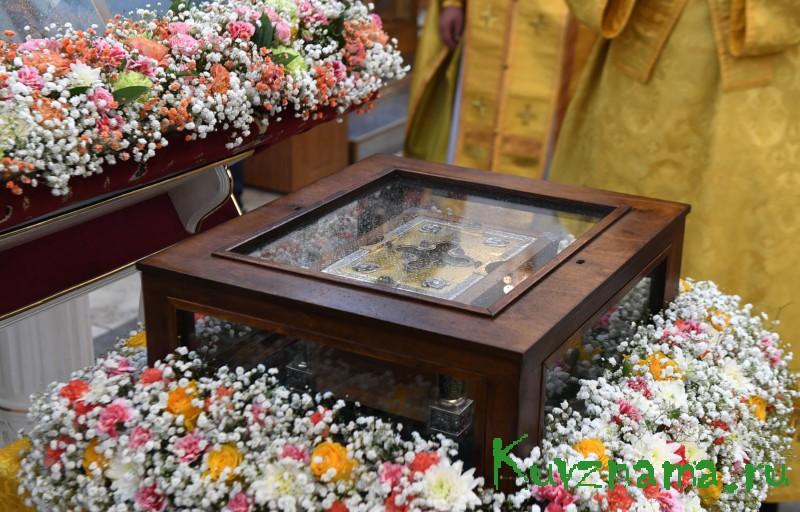 Ковчег с мощами святого благоверного князя Александра Невского прибыл в Торжок Тверской области